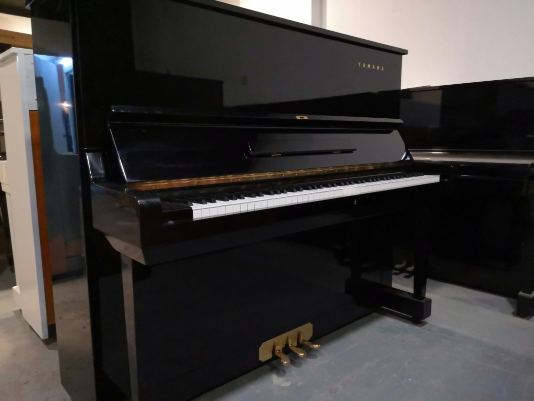japan_used_piano_kl_malaysia_yamaha_upright_piano_u3d-front